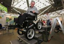 Выбираем инвалидную коляску