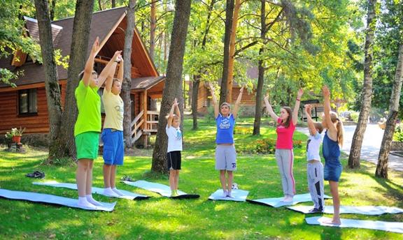 Как отправить ребёнка в летний лагерь: льготы и способы их получения