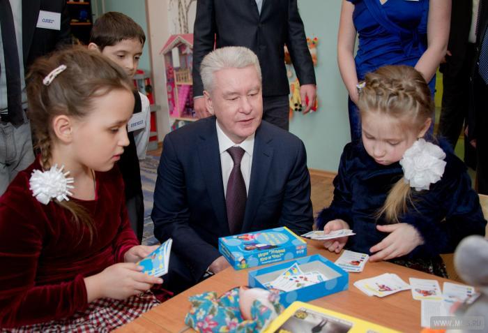 Москва отказывается от детдомов