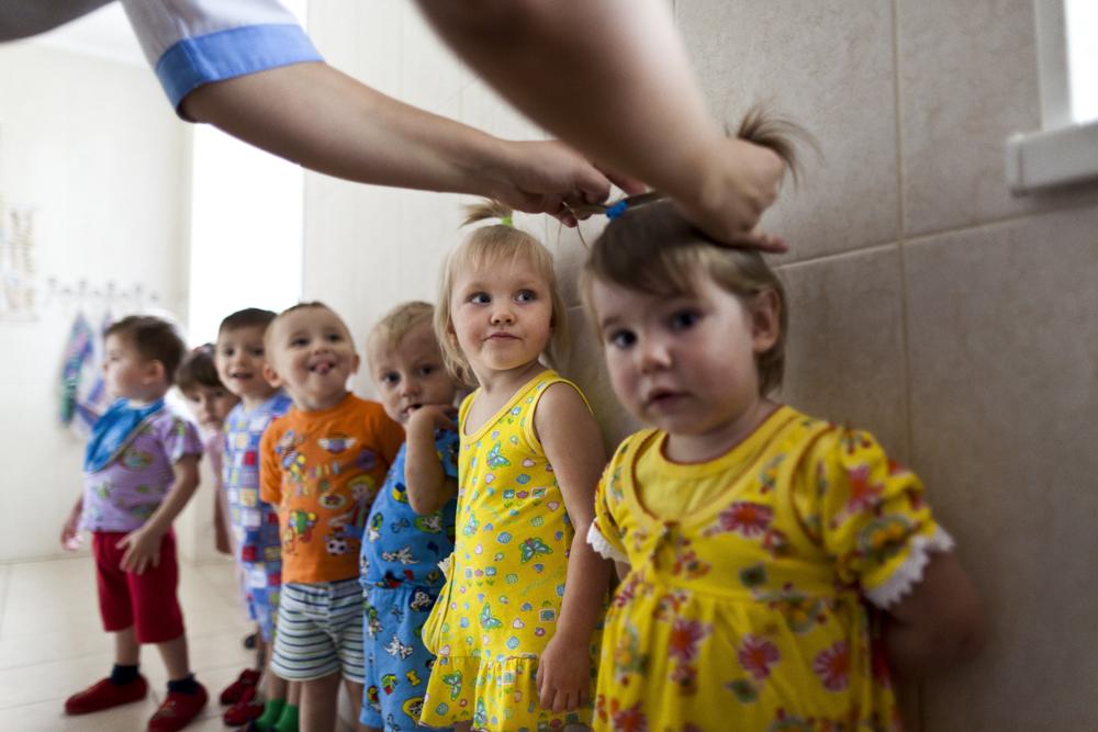 Сироты из детских домов
