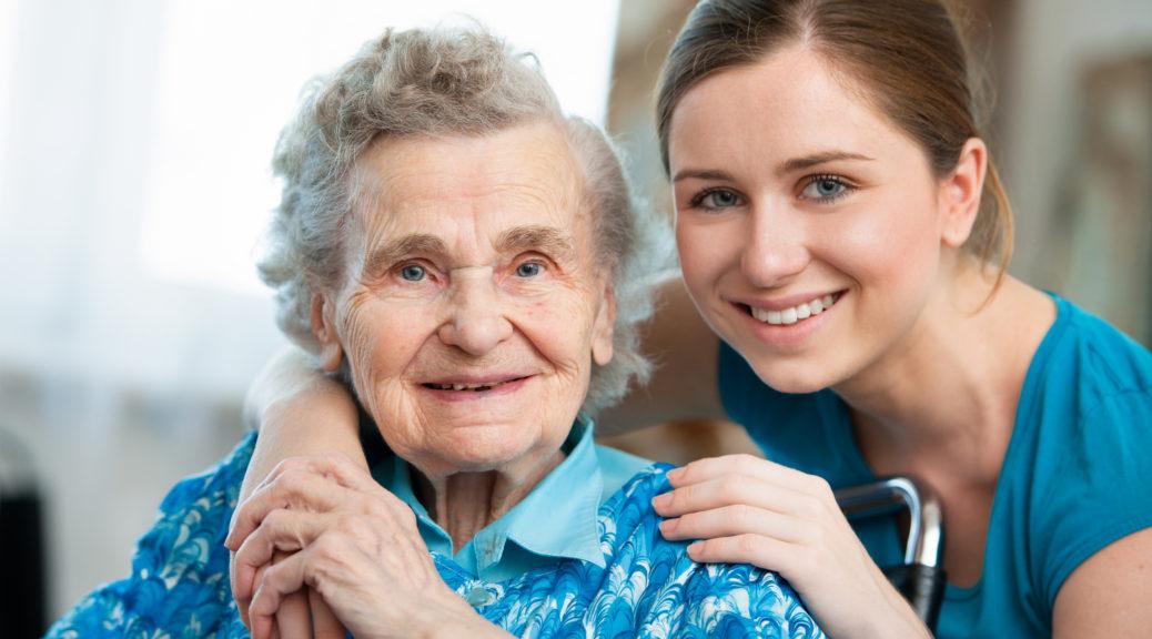Компаньонка для пожилых людей. Кто она?
